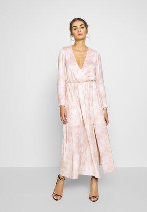 DREAMY TIE DYE DRESS - Vestido largo - print