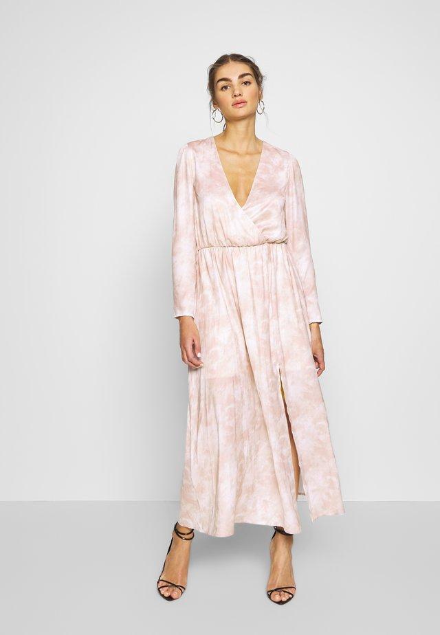 DREAMY TIE DYE DRESS - Maxi-jurk - print
