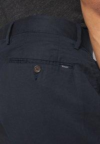 Polo Ralph Lauren - CLASSIC FIT NEWPORT - Shorts - aviator navy - 4
