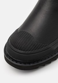 Diesel - SHIROKI H-SHIROKI CH - Classic ankle boots - black - 5