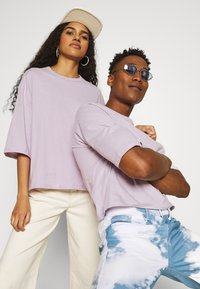 YOURTURN - UNISEX  - T-shirt - bas - lilac - 3