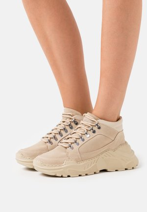 TRANCE - High-top trainers - beige