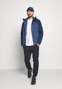 Regatta - WENTWOOD 2-IN-1 - Hardshell jacket - dark blue - 1
