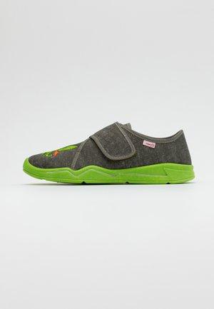 BENNY - Domácí obuv - grün