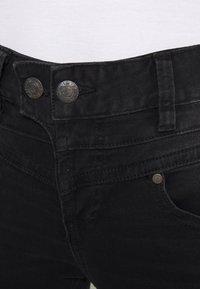 Herrlicher - BIJOU TOUCH - Skinny džíny - black dull - 3