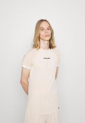STRIPES SPORT TEE - Print T-shirt - beige