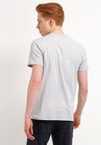 Lyle & Scott - T-shirt - bas - light grey marl - 2