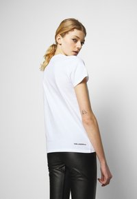 KARL LAGERFELD - IKONIK RHINESTONE KARL - Print T-shirt - white - 2