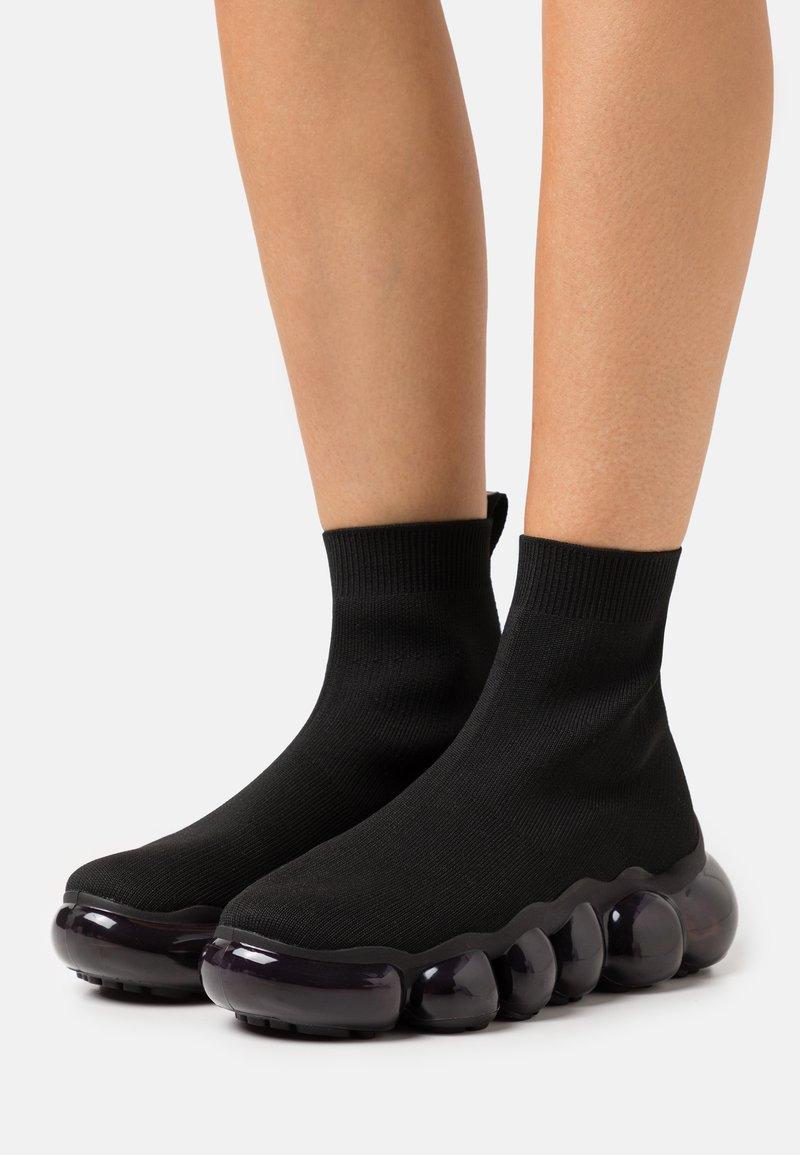 Versace Jeans Couture - Vysoké tenisky - black