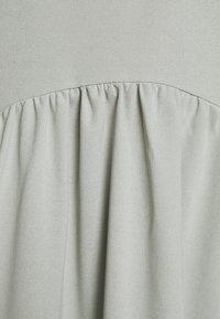 Missguided - CURVED WAIST SMOCK DRESS - Maxi dress - khaki - 6