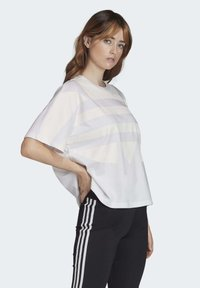 adidas Originals - LARGE LOGO T-SHIRT - Print T-shirt - white - 2
