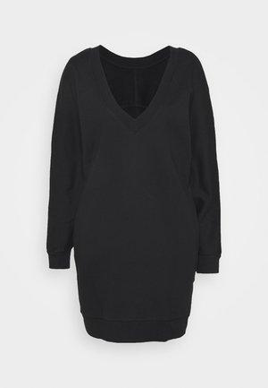 BACK V NECK LOGO DRESS - Denní šaty - black