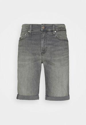 SLIM SHORT - Džínové kraťasy - denim grey
