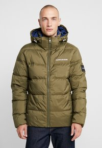 Calvin Klein Jeans - HOODED PUFFER - Down jacket - grape leaf - 0