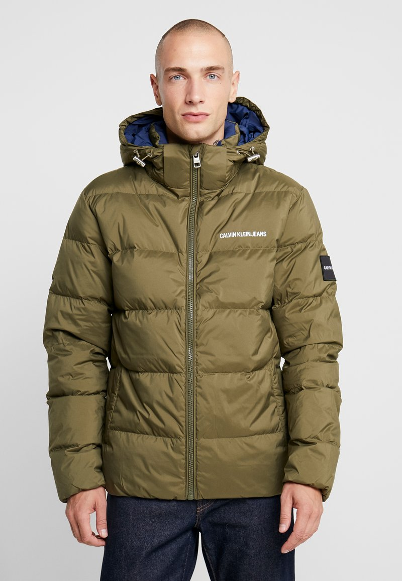 Calvin Klein Jeans - HOODED PUFFER - Down jacket - grape leaf