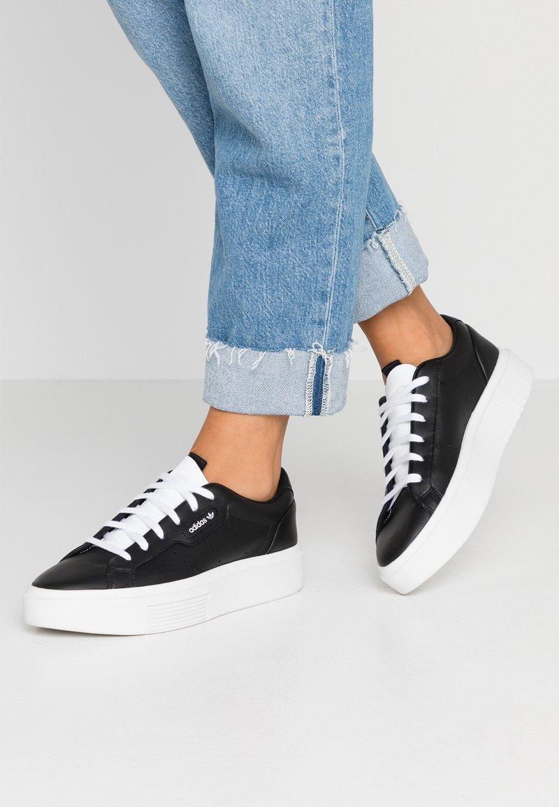adidas Originals - SLEEK SUPER - Trainers - core black/footwear white