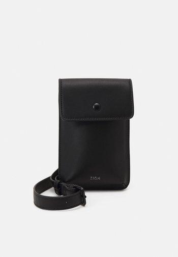 UNISEX - Phone case - black