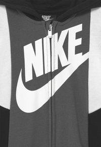 Nike Sportswear - SPORTSWEAR HOODED FULL-ZIP  - Overal - black - 2