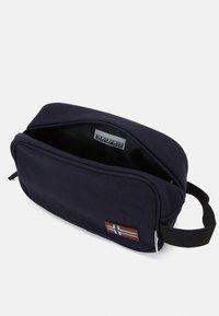 Napapijri - HERING POUCH - Wash bag - blu marine - 2