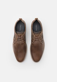 Pier One - LEATHER - Zapatos con cordones - taupe - 3