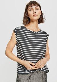 Opus - FAUNE - Print T-shirt - black white - 0