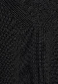 BLANCHE - HYBRID - Basic T-shirt - black - 2
