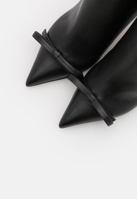 Red V - BOOTIE  - High heeled ankle boots - nero - 6