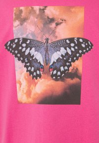 9N1M SENSE - BUTTERFLY CLOUDS UNISEX - T-shirt imprimé - azalea pink - 5