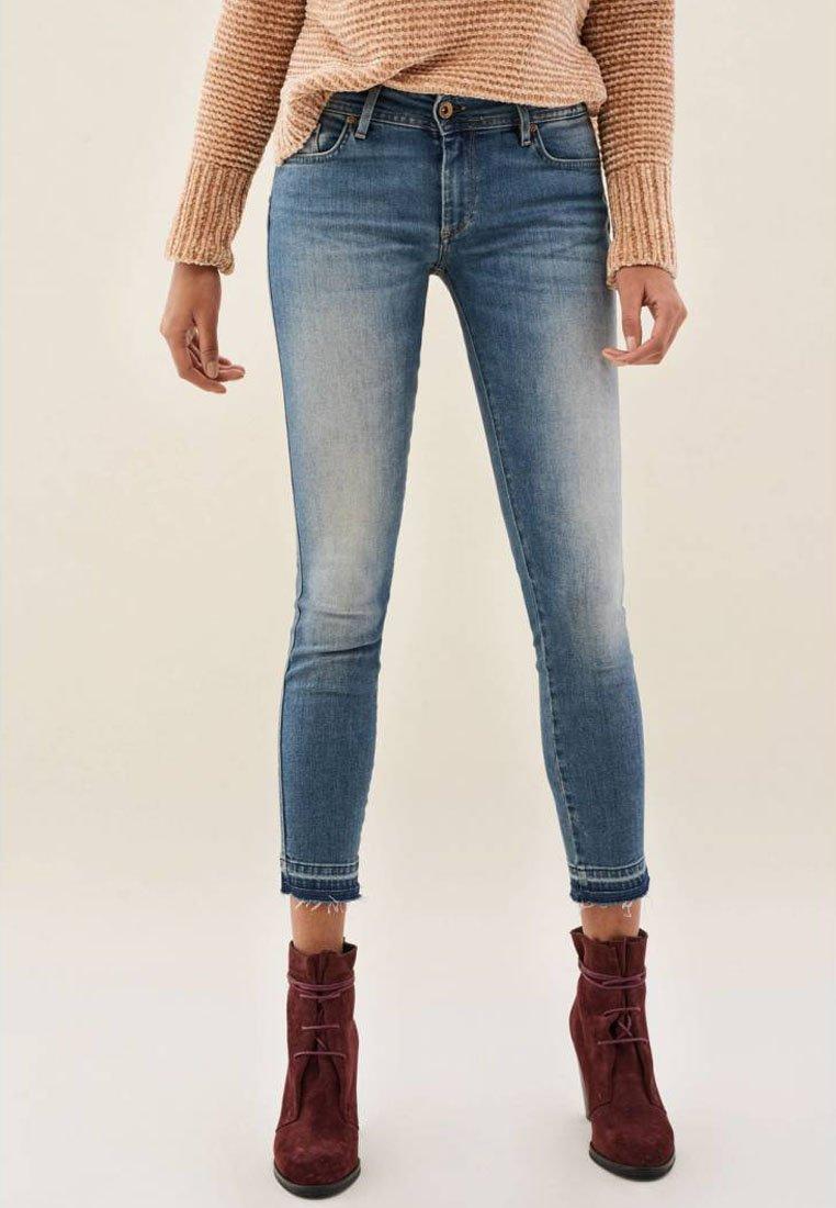 Damen PUSH UP CAPRI - Jeans Skinny Fit