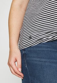 Lauren Ralph Lauren Woman - GENARO SHORT SLEEVE - Basic T-shirt - black/white - 3