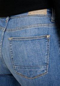 Esprit - SKINNY - Jeans Skinny Fit - blue light wash - 4