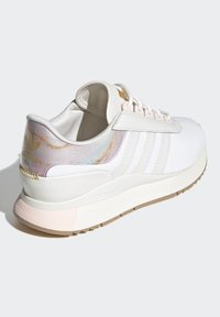 adidas Originals - SL ANDRIDGE SPORTS INSPIRED SHOES - Trainers - cwhite/cwhite/goldmt - 8