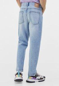 Bershka - STRAIGHT VINTAGE - Straight leg jeans - light blue - 2