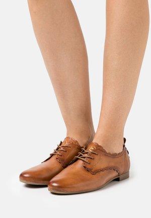 ANAMICA - Zapatos de vestir - cognac/metallics