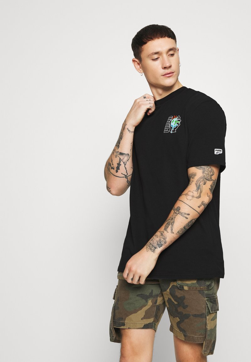 Puma - DOWNTOWN GRAPHIC TEE - T-shirt con stampa - black