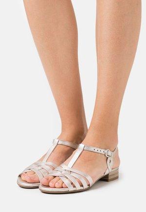 Sandalen - puder