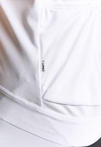 Craft - ESSENCE - T-shirt z nadrukiem - white - 6