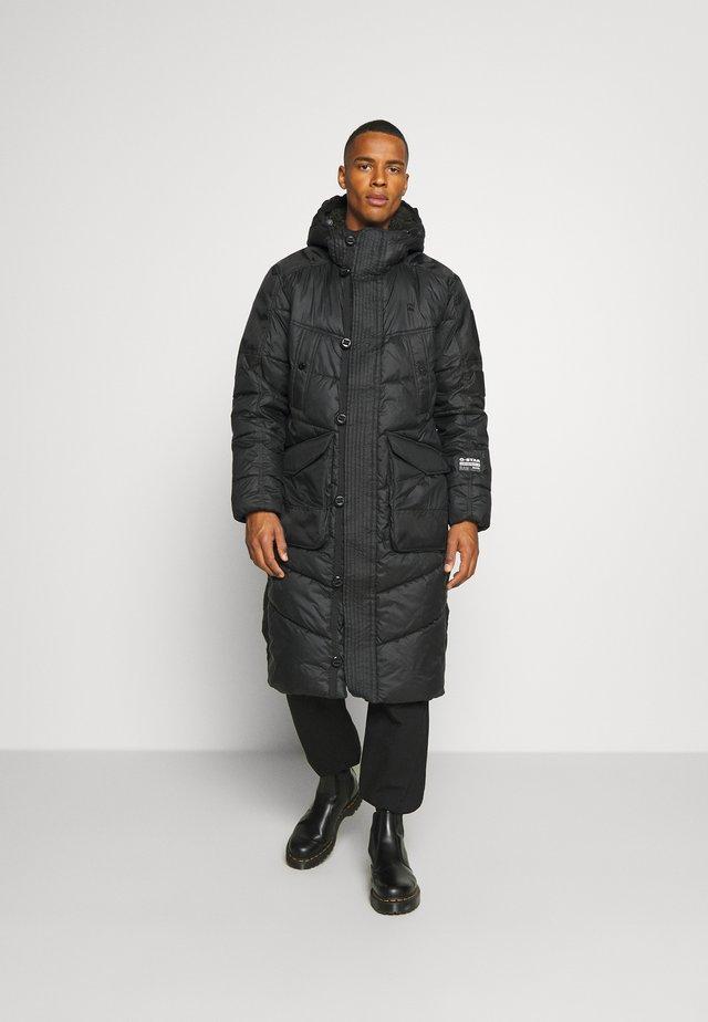 UTILITY QUILTED EXTRA LONG PARKA - Abrigo de invierno - namic lite black