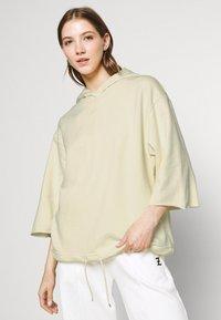 Nike Sportswear - Sweat à capuche - coconut milk/pale vanilla - 3