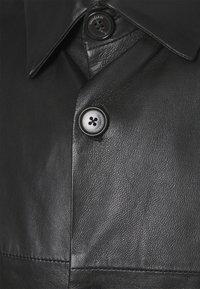 Trussardi - SHORT SLEEVE ORION SHINY - Košile - black - 2