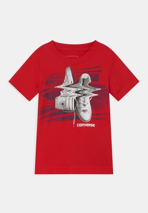 SHIFTED CHUCKS UNISEX - Print T-shirt - converse red
