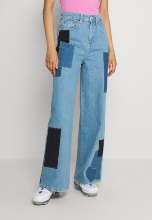 PRETTY PATCH PUDDLE - Jeans relaxed fit - blue