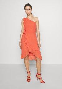 Bruuns Bazaar - ROSALINA KENDRA DRESS - Sukienka koktajlowa - poppy red - 0