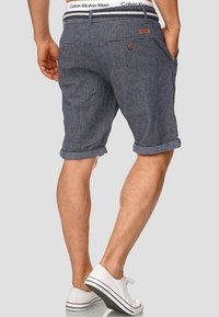 INDICODE JEANS - CASUAL FIT - Shorts - mottled blue - 2