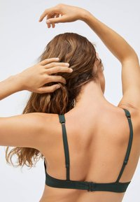 OYSHO - Bikini top - evergreen - 4