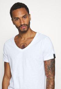 Replay - T-shirt basic - white - 3