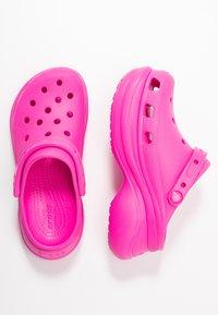 Crocs - CLASSIC BAE  - Heeled mules - electric pink - 3
