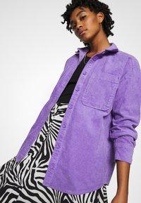 Monki - CONNY LI  - Button-down blouse - lilac purple - 3