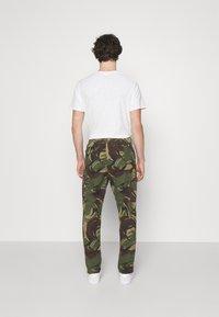 Polo Ralph Lauren - STRETCH SLIM FIT TWILL CARGO PANT - Cargo trousers - british elmwood - 2