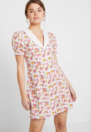 CONTRAST COLLAR MINI DRESS - Shirt dress - white